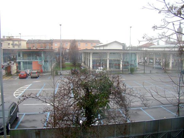 Parcheggio piazza Mercato, giovedì 7 marzo 2013 ore 15